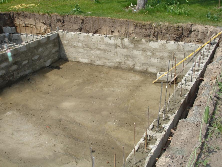 Строительство бассейна из блоков своими руками 9