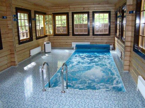 Баня с небольшим бассейном 36