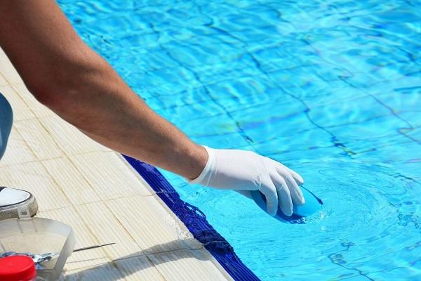 Хлорирование бассейна и контроль уровня pH