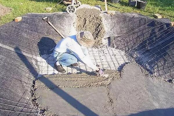 Выложить бетона