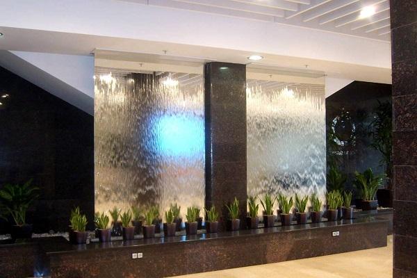 готовый водопад по стеклу